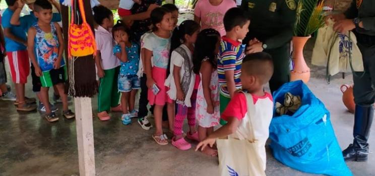 Pacifico- Comunidad Embera Chami del sector la Delfina y comunidad Nueva Esperanza